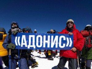Михаил Елизаров на фото справа